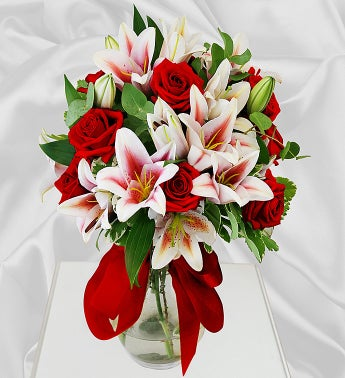 Roses  Lily in a Vase with Chocolate