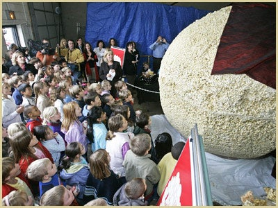 World's Largest Popcorn Ball!